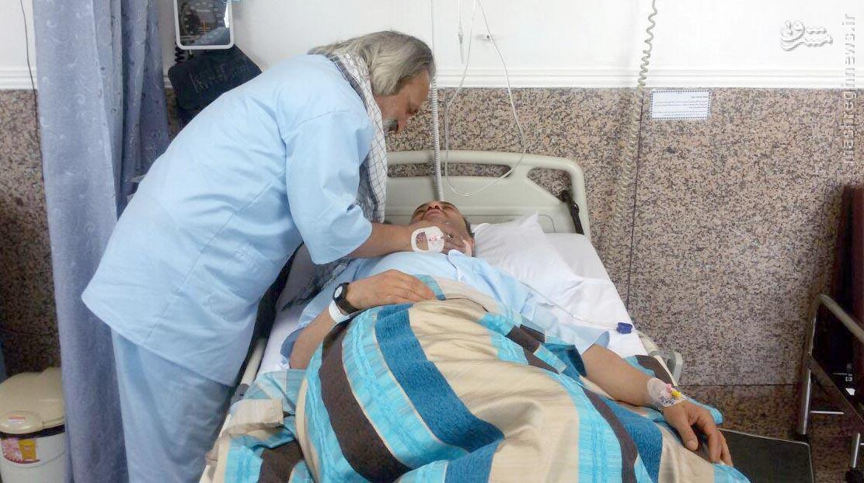 عیادت «حاج رسول رستگاری» از قاب تلویزیون تا تخت بیمارستان