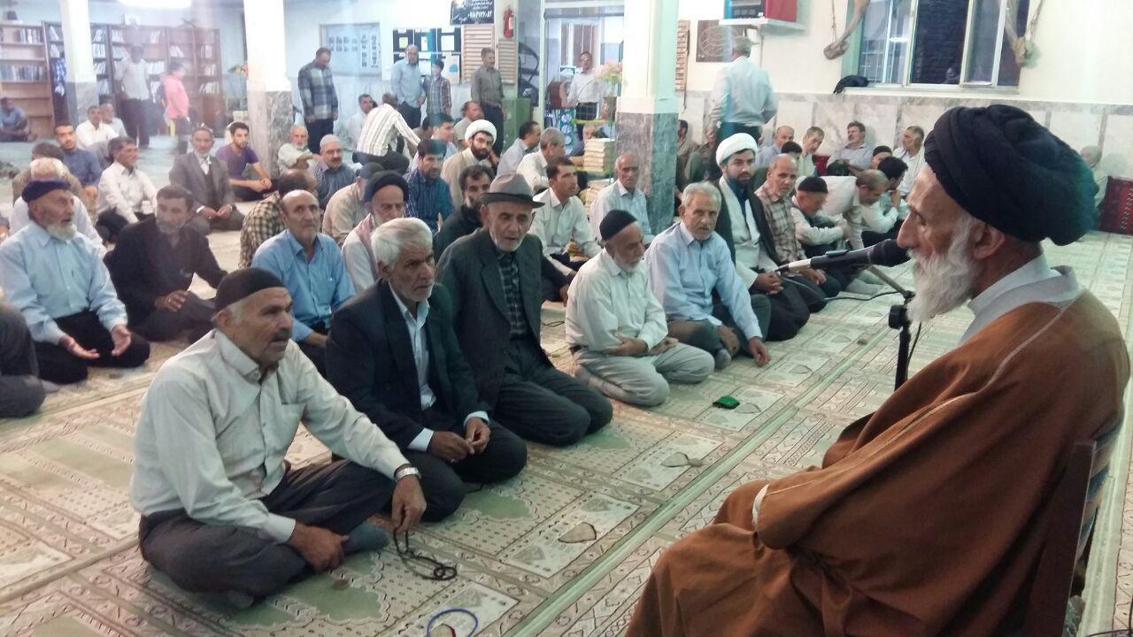 دیدار صمیمی نماینده مردم همدان در خبرگان با کاروان زائران پیاده کربلا