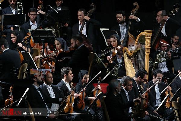 شب پرشور ارکستر سمفونیک تهران به رهبری شهرداد روحانی در تالار وحدت/ قطعه ای از زندهیاد حشمت سنجری اجرا شد+ عکس