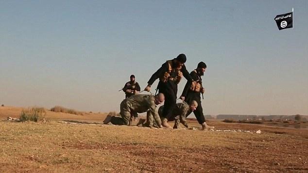 داعش دو سرباز ترکیه را زنده در آتش سوزاند