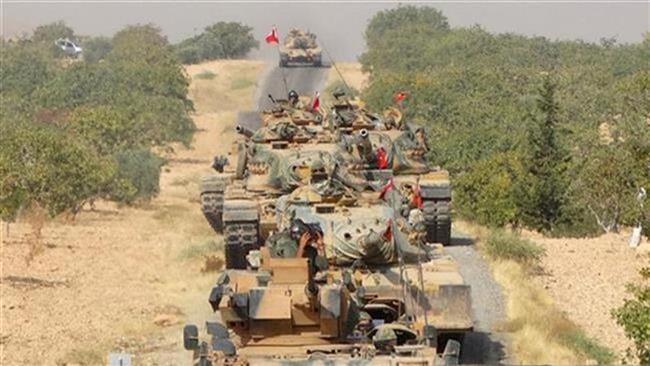 تانکهای ارتش ترکیه بهسوی شهر مرزی جرابلس در سوریه حرکت میکنند، 3 شهریور 1395 (عکس از رویترز)