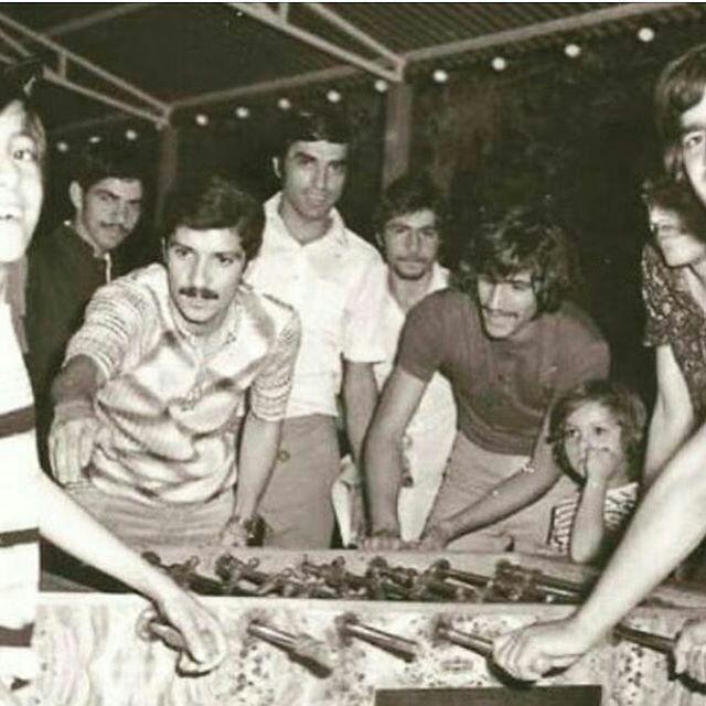 تصویر/زندهیاد پورحیدری و حجازی در حال فوتبالدستی