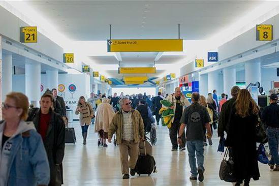 توهین به یک زن مسلمان در فرودگاه نیویورک