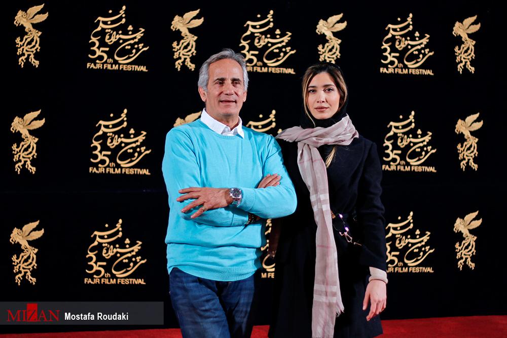 نیکی مظفری به همراه پدرش در کاخ مردمی جشنواره فیلم فجر+ عکس