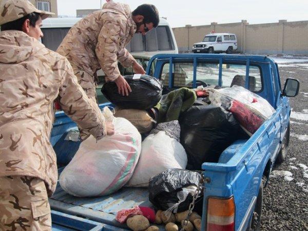 سرهنگ راعی: 60 میلیون تومان کمک نقدی و یک کامیون مواد غذایی و البسه گرم به مدافعین حرم ارسال شد