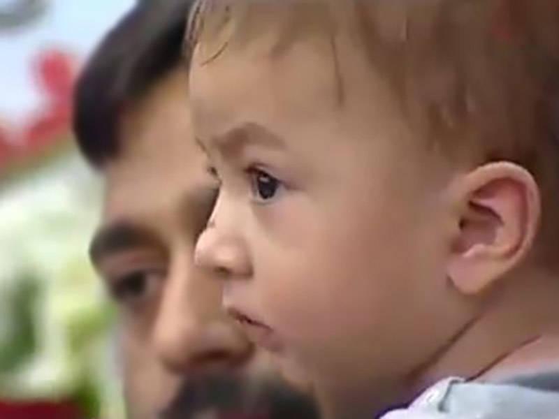 فیلم/ حال و هوای فرزندشهید حججی در مراسم یادبود پدر