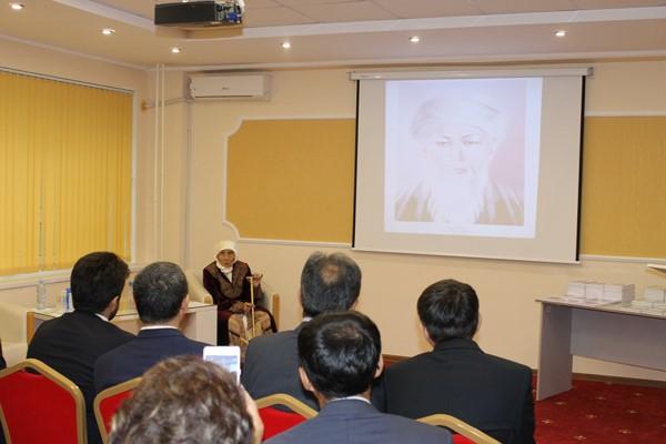 رونمایی از دو پایاننامه اسلامی در قزاقستان + عکس