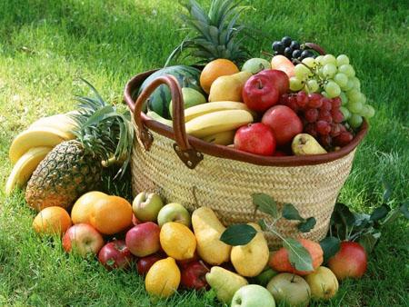 فرار از ابتلا به سرطان روده با خودرن میوه های رنگی