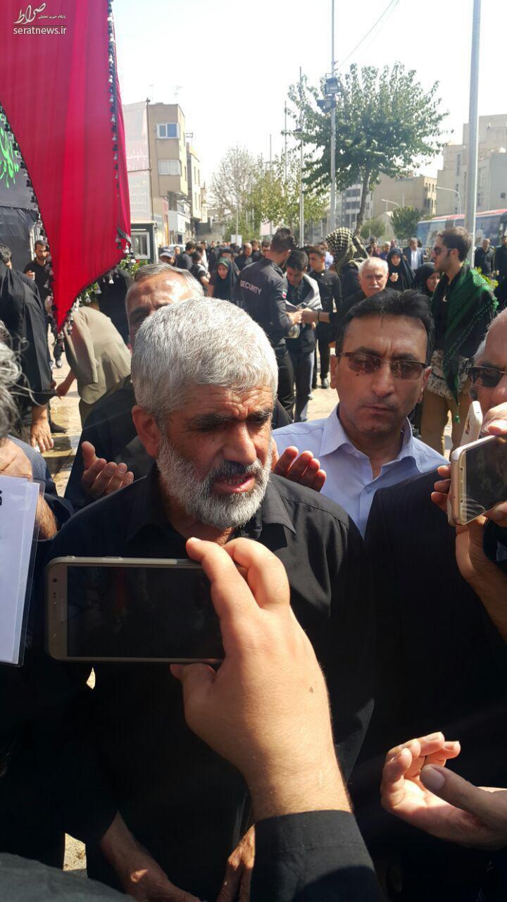 عکس/ پدر شهید هستهای در تشییع شهید حججی