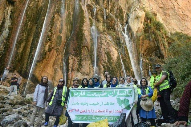69730723475 - فعالان محیط زیست به پاکسازی غارها رفتند