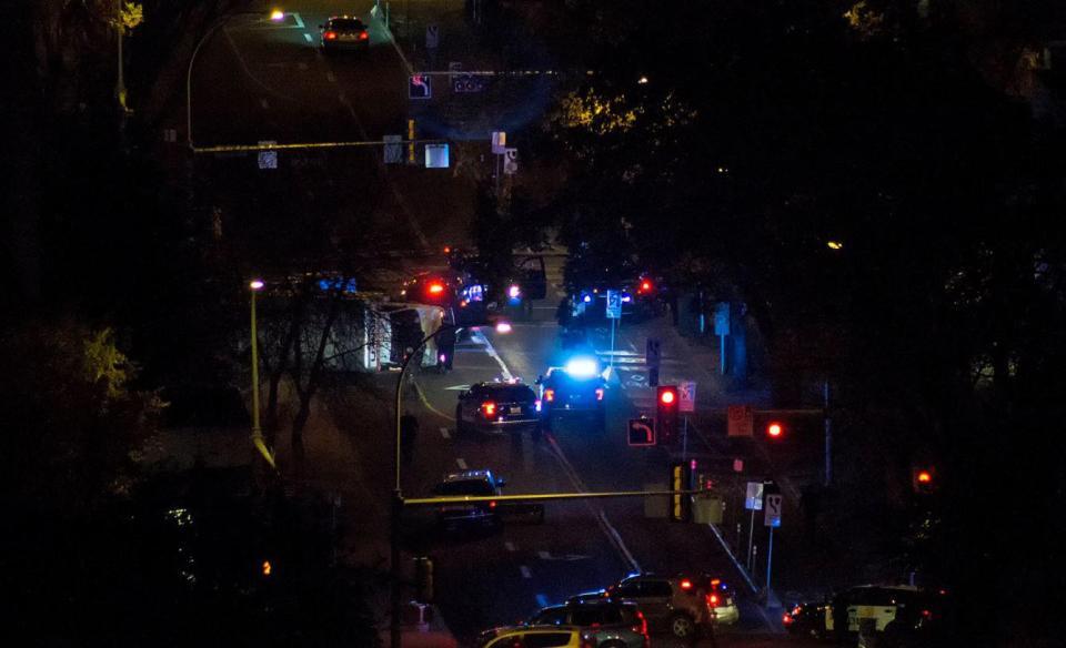ورود خودرو به میان عابران پیاده در کانادا/افسر پلیس و چند تن دیگر زخمی شدند