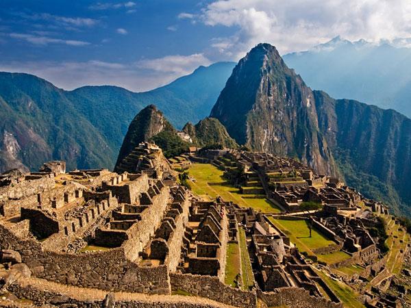 ۱۰ مکان دیدنی که توسط گردشگران در حال تخریب است