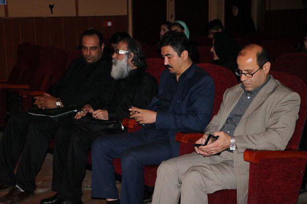 25280112948 - گزارش تصویری تجلیل از عوامل نمایش «کاروان نور» در محمود آباد