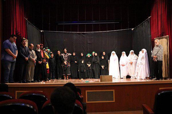 97229069802 - گزارش تصویری تجلیل از عوامل نمایش «کاروان نور» در محمود آباد