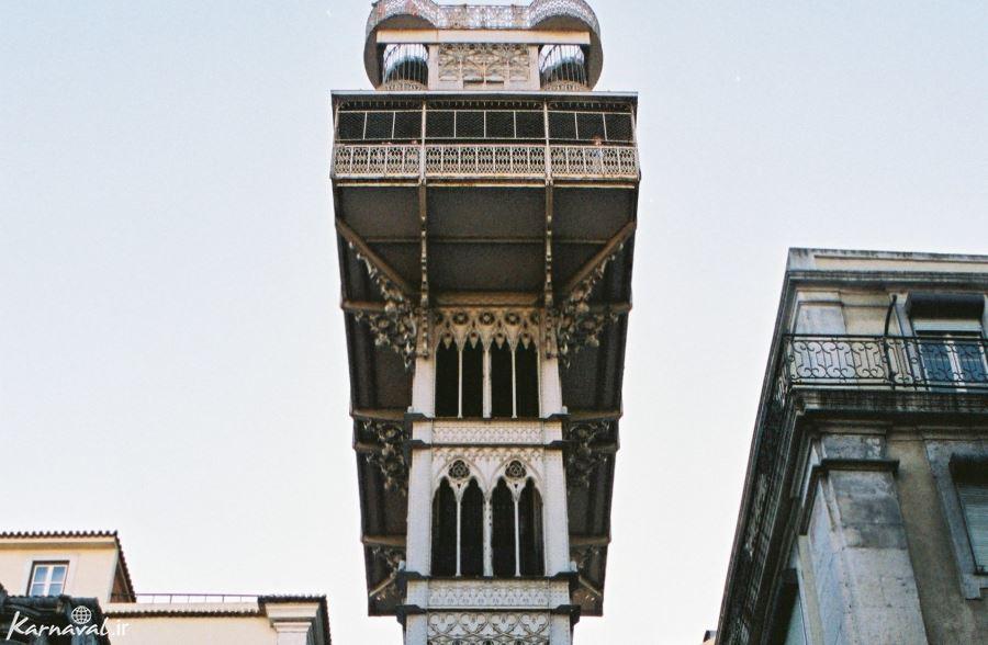 قسمت بالایی آسانسور سانتا ژوستا