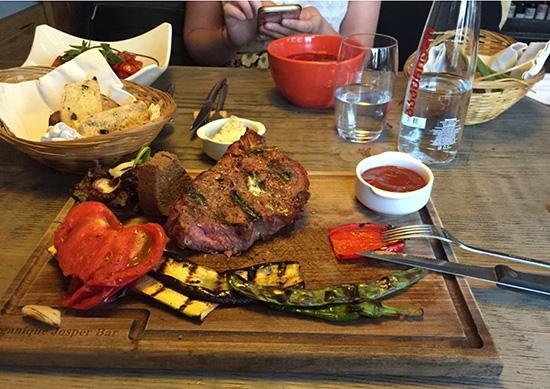بهترین رستوران های تفلیس گرجستان با هزینه متوسط