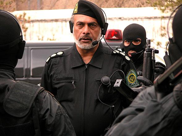 یک بازیگر باید خودش فعال باشد تا کنار گذاشته نشود/مگر داریوش اسدزاده با ۹۵ سال سن خانه نشین است؟