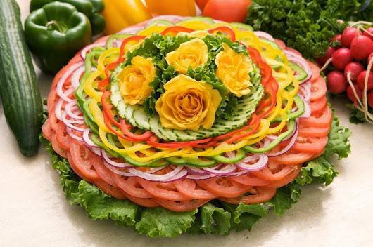 برای افزایش مواد مغذی به سالادتان روغن اضافه کنید