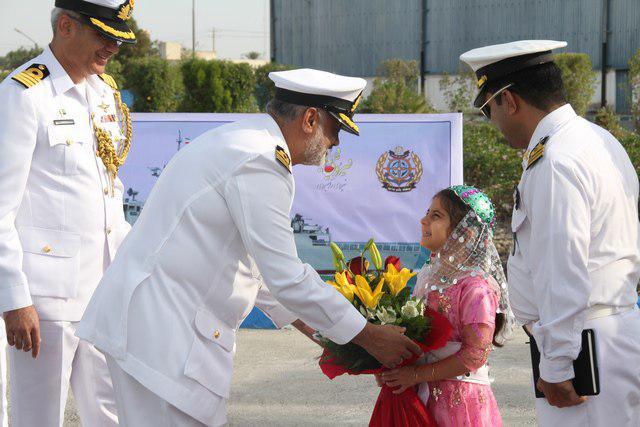 ورود ناوگروه صلح و دوستی پاکستان به بندرعباس