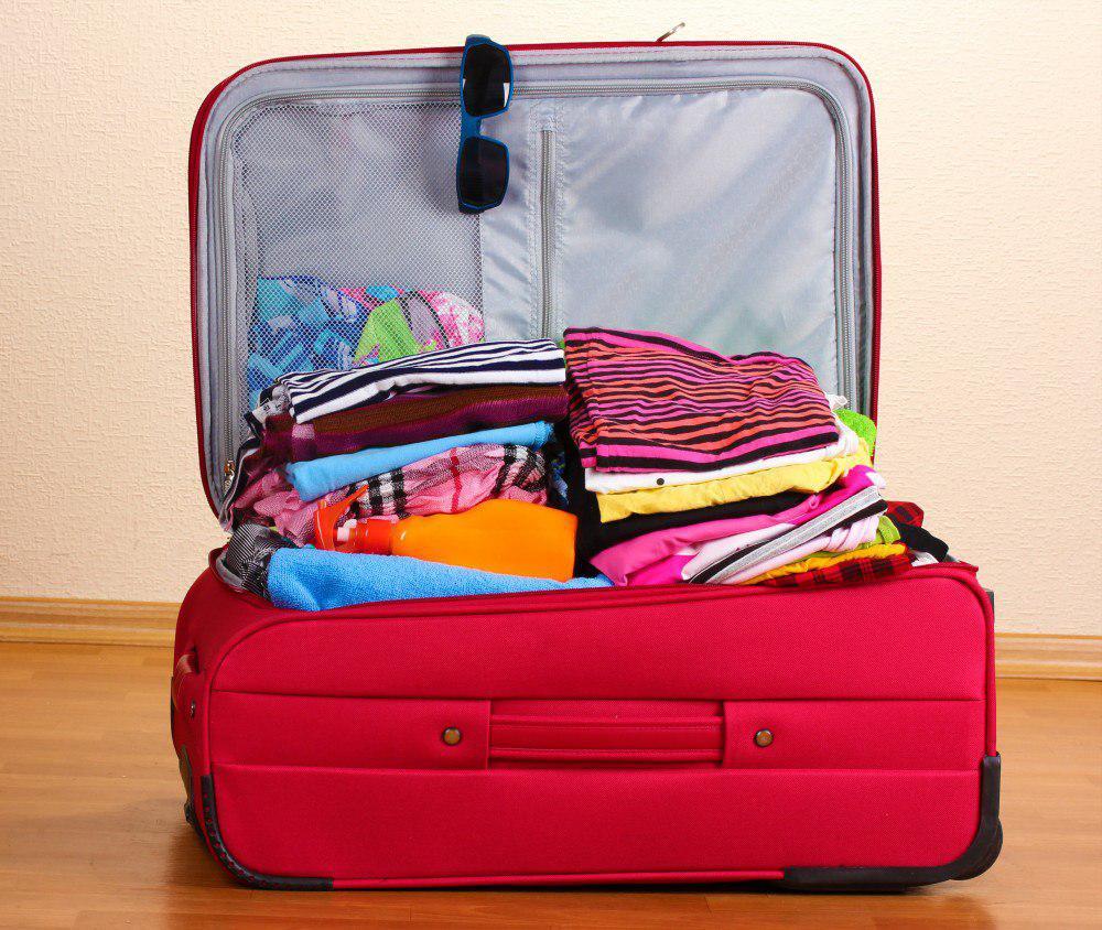 وسایلی که ضروری نیست در چمدان جا بدهیم