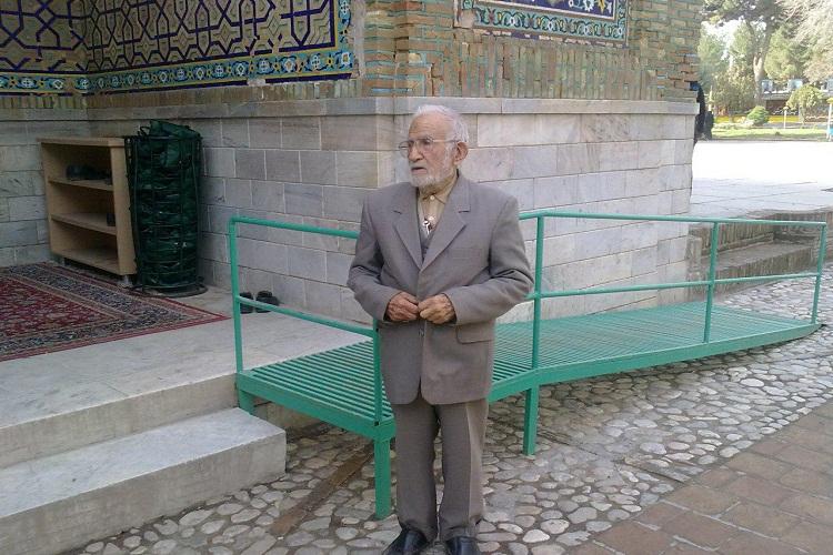 مرحوم جواهری و اکثر از نیم قرن فعالیت در محضر قرآن/ از آوازه گریزان بود