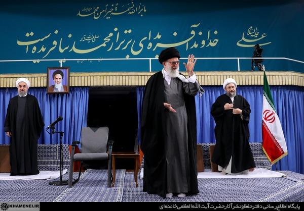 سران قوا، جمعی از مدیران نظام و سفرای کشورهای اسلامی با رهبر معظم انقلاب اسلامی دیدار میکنند
