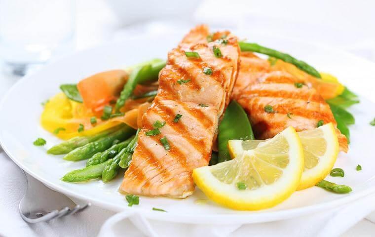 مبارزه با سرطان ریه با ۶ ماده غذایی