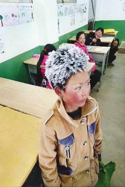 عیدی امسال کارگران چقدر است؟/ جعبه سیاه نفتکش حادثه دیده ایرانی کشف شد/ دانشآموزی که در راه مدرسه یخ زد!