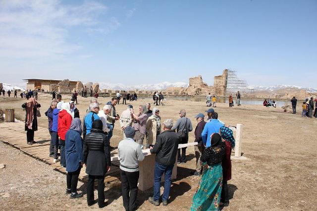 وخامت حال ونیز ایران نگرانکننده است/ سایه سنگین زلزله بر سر یک مدرسه/ سر و کله گرگها در زنجان پیدا شد