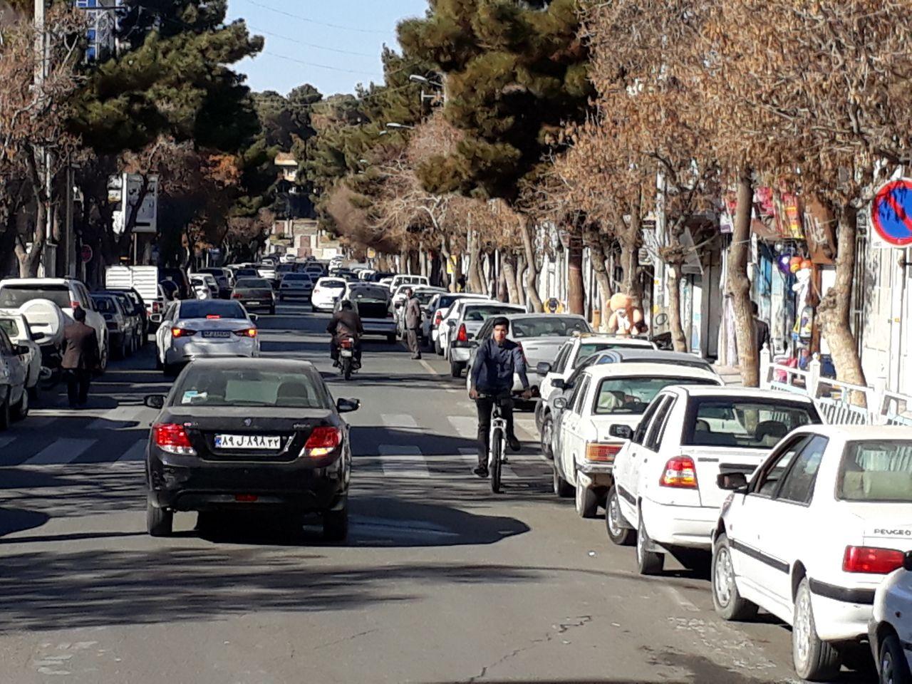 مردم تربت حیدریه در پی  یک وجب پارکینگ!