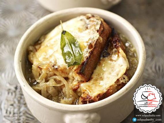 طرز تهیه سوپ پیاز انگلیسی