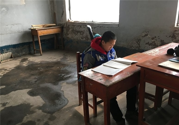 تنها دانش آموز مدرسه ای در چین