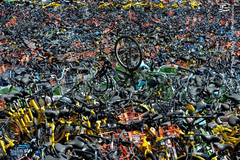پارکینگ شلوغ دوچرخهها در ووهان چین