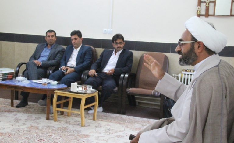 گزارش عکسی دیدار اعضای شورای شهر کوهدشت با اساتید حوزه علمیه باقرالعلوم