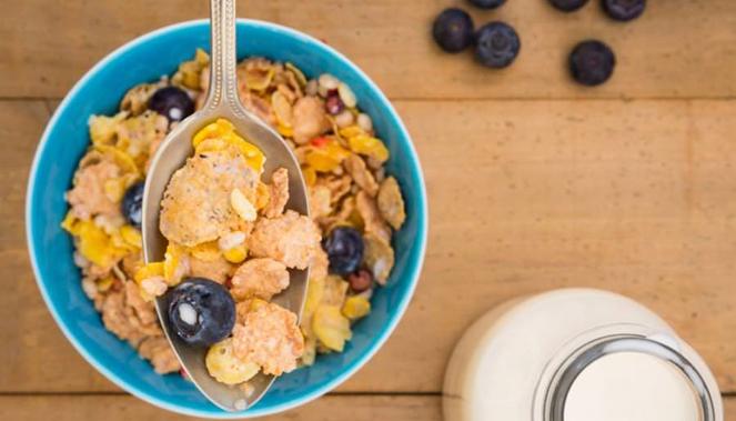 هشت صبحانه آسان ولی مقوی که فقط در ۶۰ ثانیه آماده میشوند
