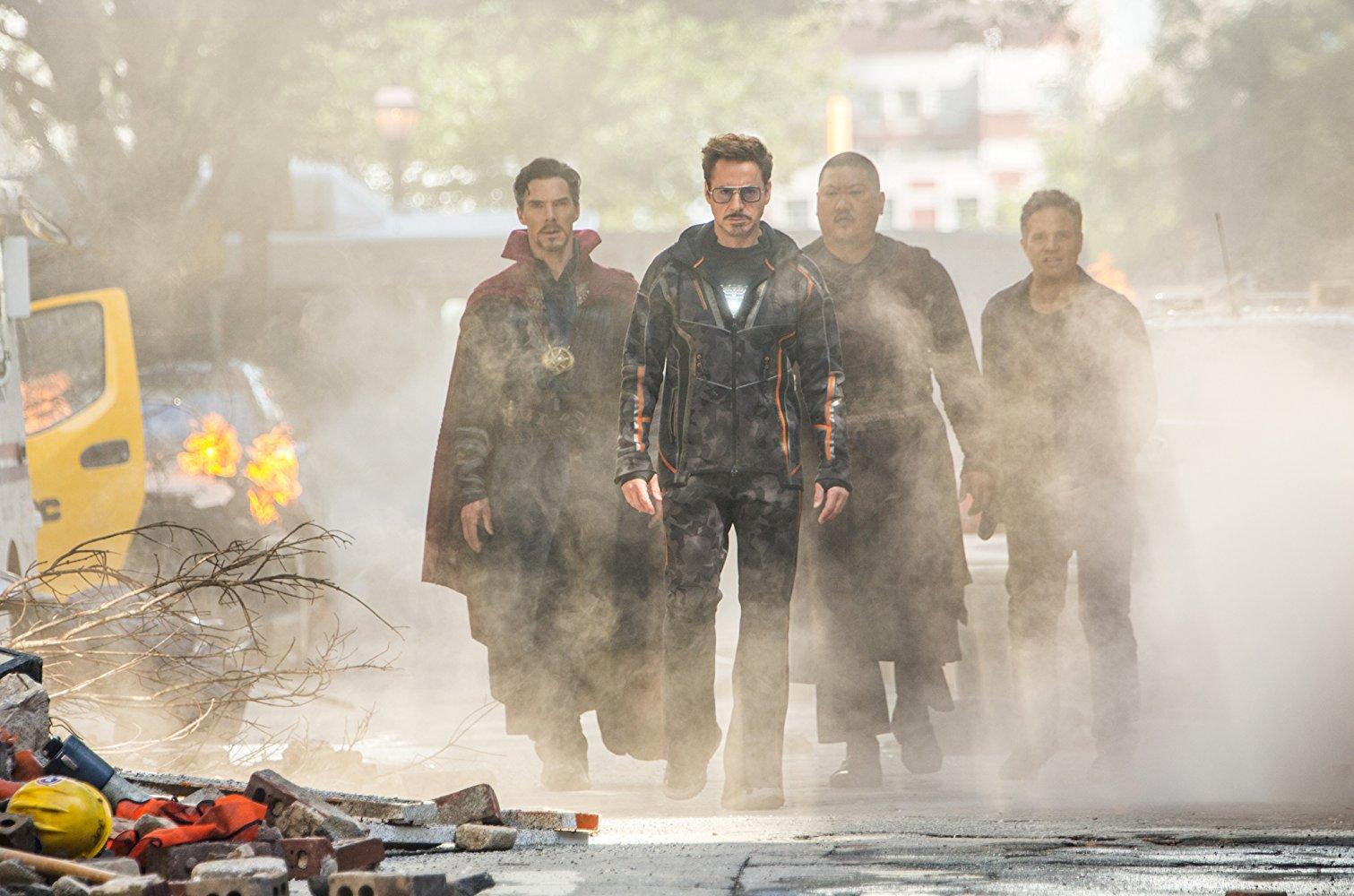 انتقام جویان گیشه سینمای جهان را به آتش کشیدند/فروش یک میلیارد دلاری در کمتر از یک هفته+عکس//////////////////پنجشنبه