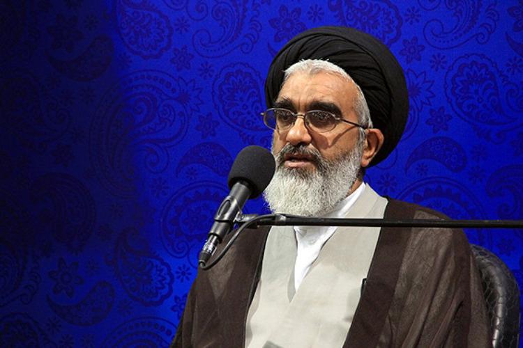 برای ایمن نگهداشتن انقلاب باید مساجد را تقویت کرد