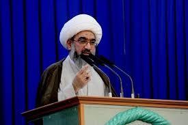 قرآن برای برون رفت جامعه از ظلمت اخلاقی، مدیریتی و خانوادگیست/رفتار ضد قرآنی کفار در صدر اسلام