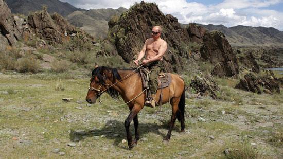 واکنش پوتین به انتشار تصاویر بدون لباس از او