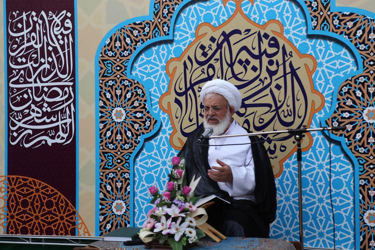 گزارش تصویری/ جلسه تفسیر قرآن امام جمعه یزد