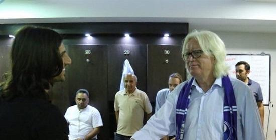 طارق همام در رختکن استقلال