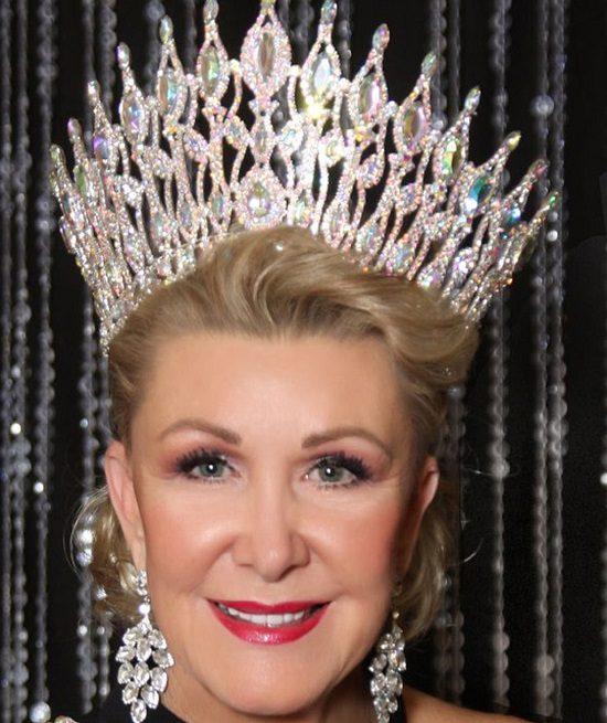 تصویر/ زن ۶۰ ساله ملکه زیبایی جهان شد
