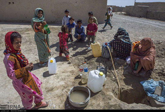 اینجا سیستان است، یک شیر آب برای چند روستا!