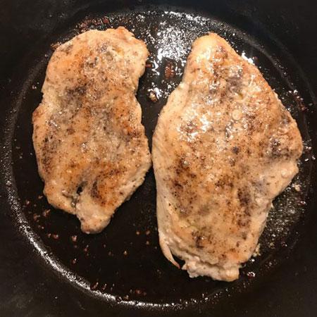 تعلیم فاز به فاز تهیه خوراک مرغ با سس قارچ