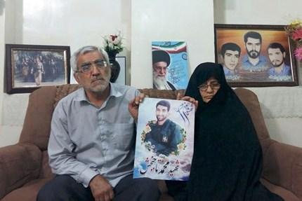 تجلیل از خانواده اولین شهید مدافع حرم در گتوند