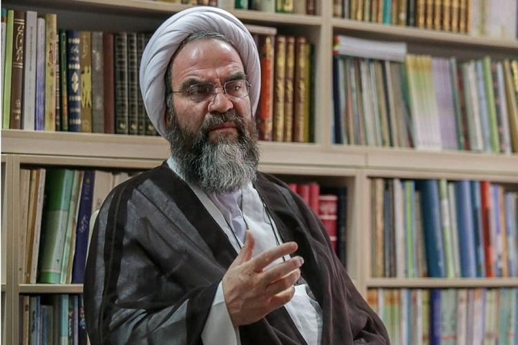 امام خمینی(ره) با فقه سیاست انقلاب کرد و نه فقه فردی