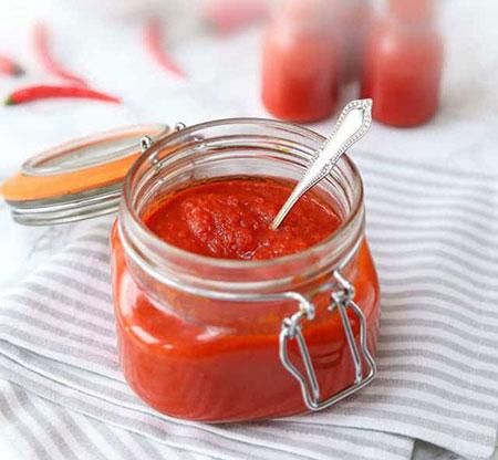 طرز تهیه خوب ترین سس سیراچا تخمیری بدون شکر افزوده