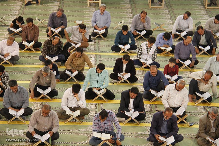محفل انس با قرآن مدرسه ها علمیه اهواز برگزار میشود