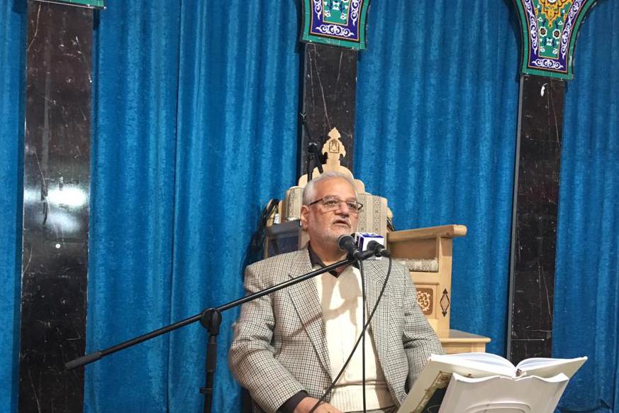 ادای احترام کاروان قرآنی انقلاب به شهید حججی