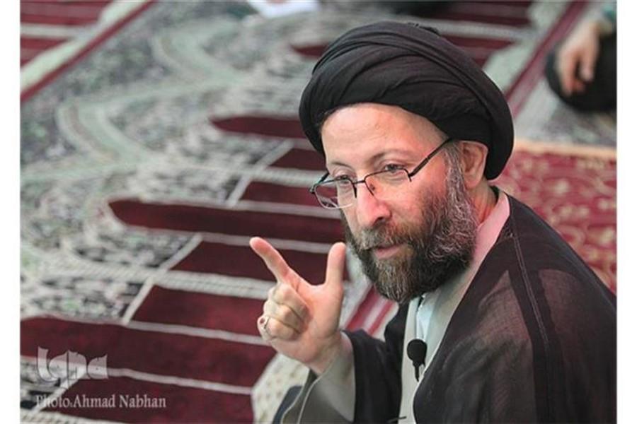 کسانی که دلبسته انقلاب اسلامی هستند مردم را نسبت به انقلاب اسلامی بدبین نمیکنند